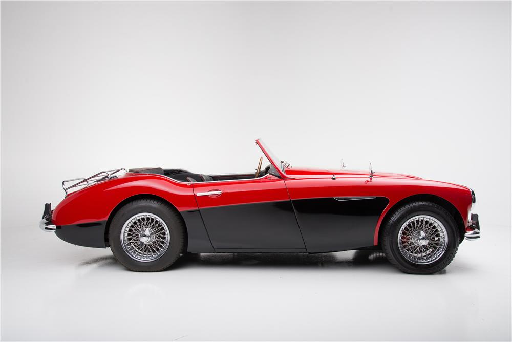 1962 AUSTIN-HEALEY 3000 MARK II BT7 ROADSTER - Side Profile - 161605