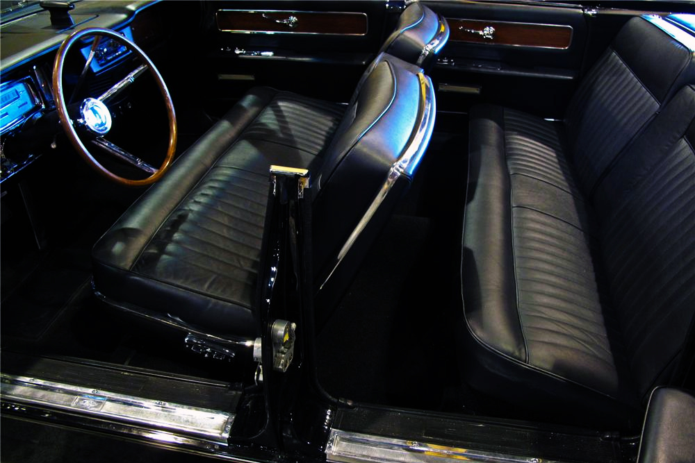 1963 LINCOLN CONTINENTAL CONVERTIBLE - Interior - 161606