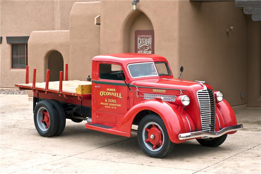 1937 DIAMOND T STAKEBED TRUCK - Front 3/4 - 161622