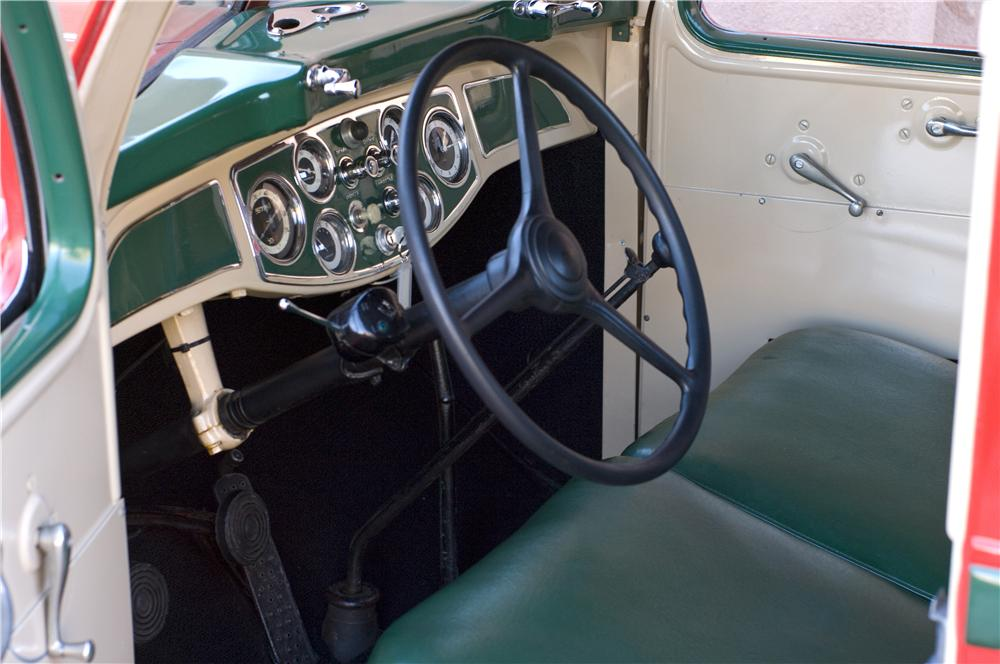 1937 DIAMOND T STAKEBED TRUCK - Interior - 161622