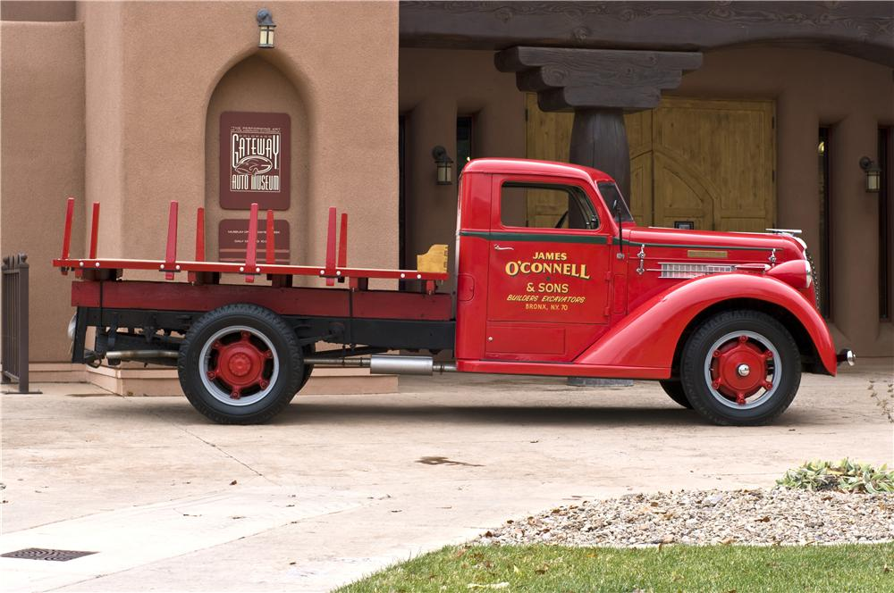 1937 DIAMOND T STAKEBED TRUCK - Side Profile - 161622