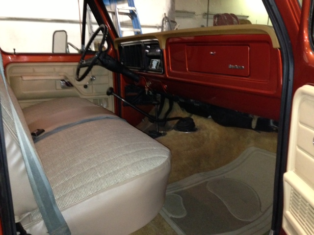 1976 FORD F-150 CUSTOM PICKUP - Interior - 161684