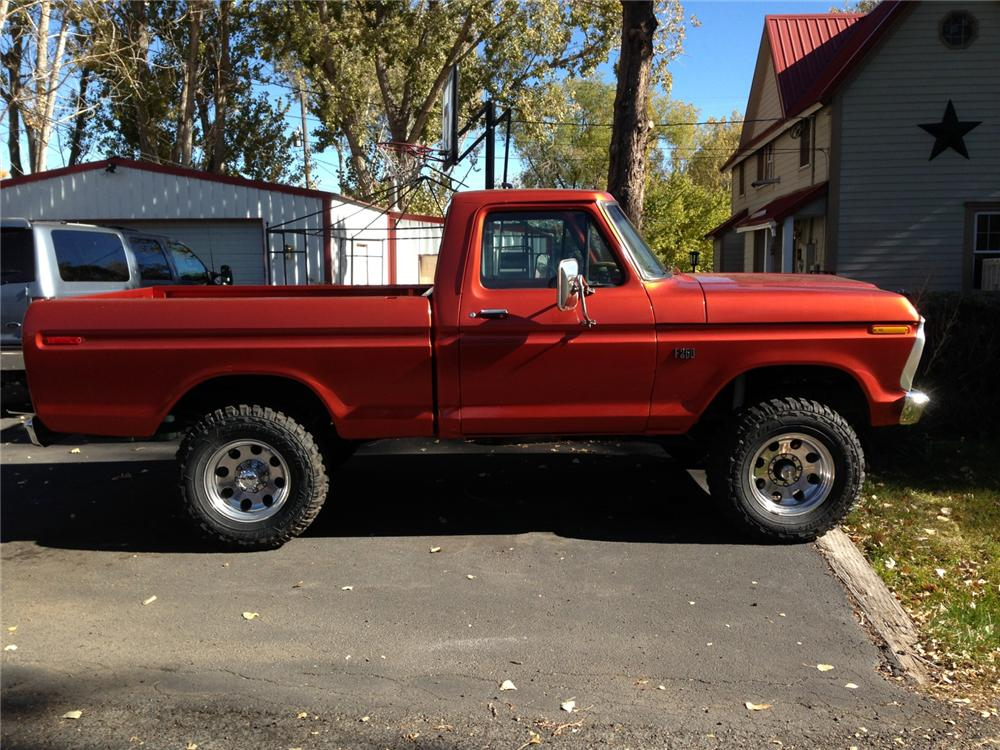1976 FORD F-150 CUSTOM PICKUP - Side Profile - 161684