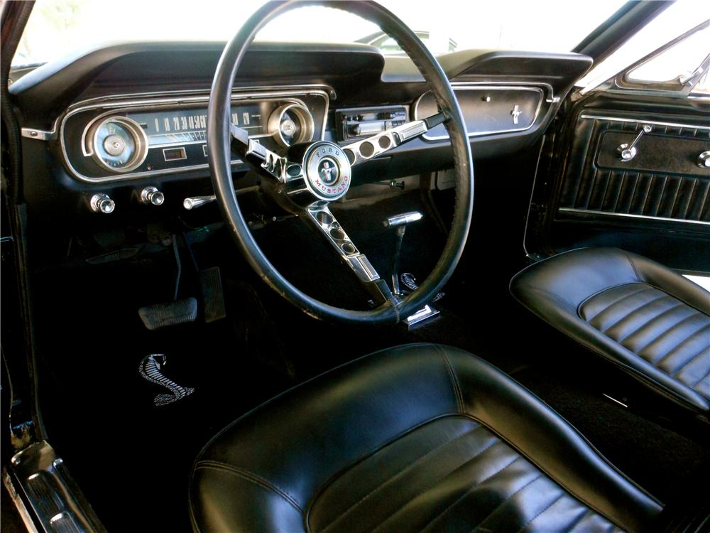 1965 FORD MUSTANG CUSTOM FASTBACK - Interior - 161689