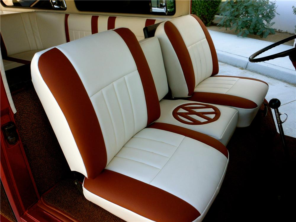 1968 VOLKSWAGEN BAY WINDOW CUSTOM BUS - Interior - 161702