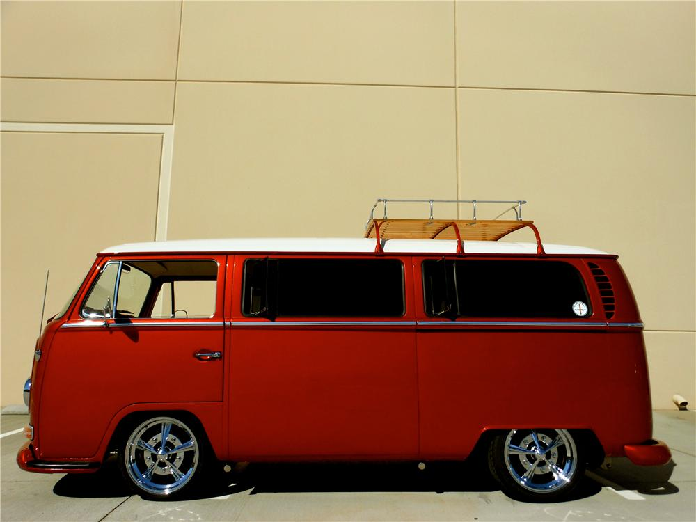 1968 VOLKSWAGEN BAY WINDOW CUSTOM BUS - Side Profile - 161702