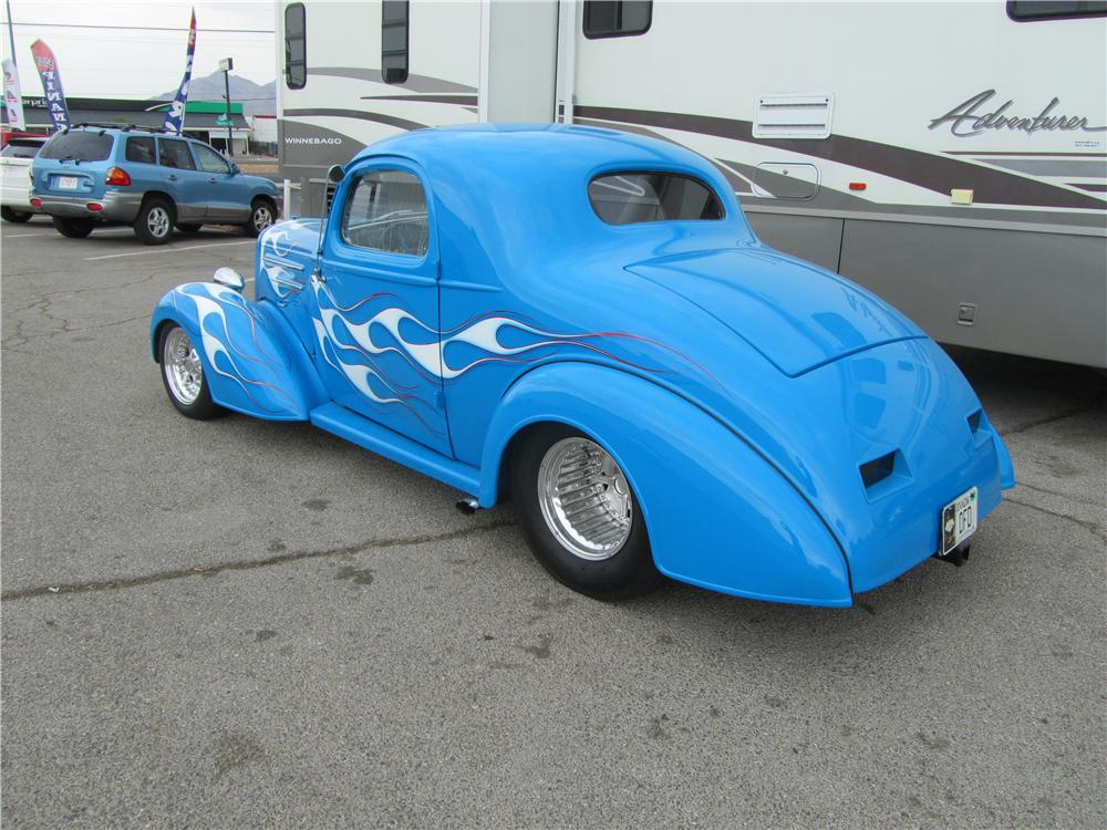 1935 CHEVROLET MASTER CUSTOM 2 DOOR COUPE - Rear 3/4 - 161715