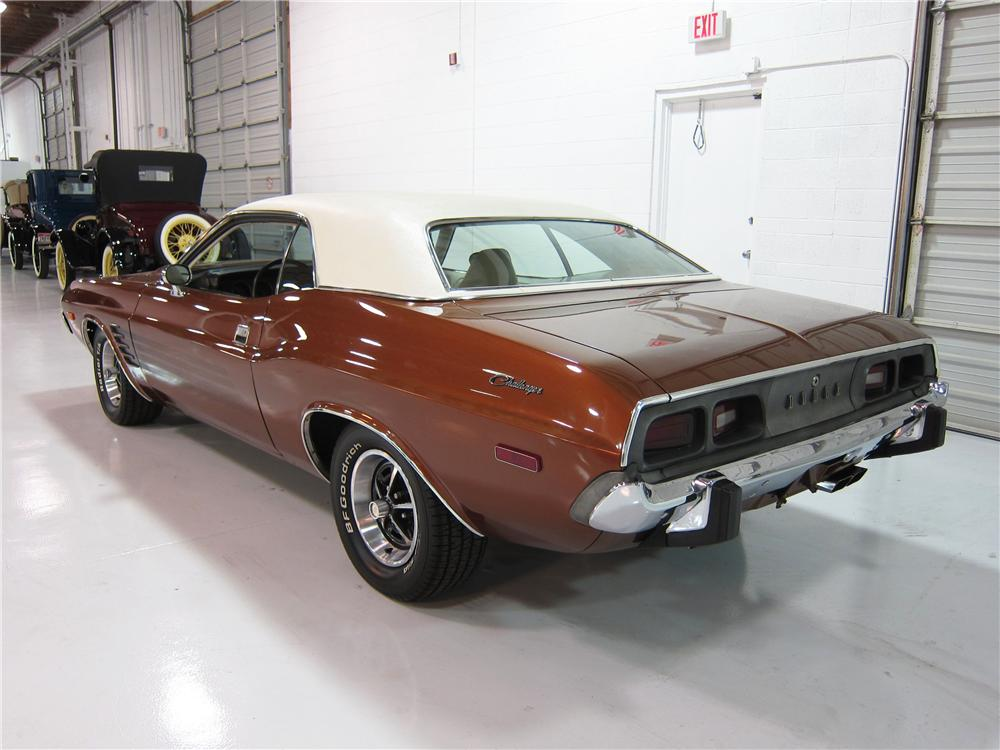 1973 DODGE CHALLENGER 2 DOOR HARDTOP - Rear 3/4 - 161725