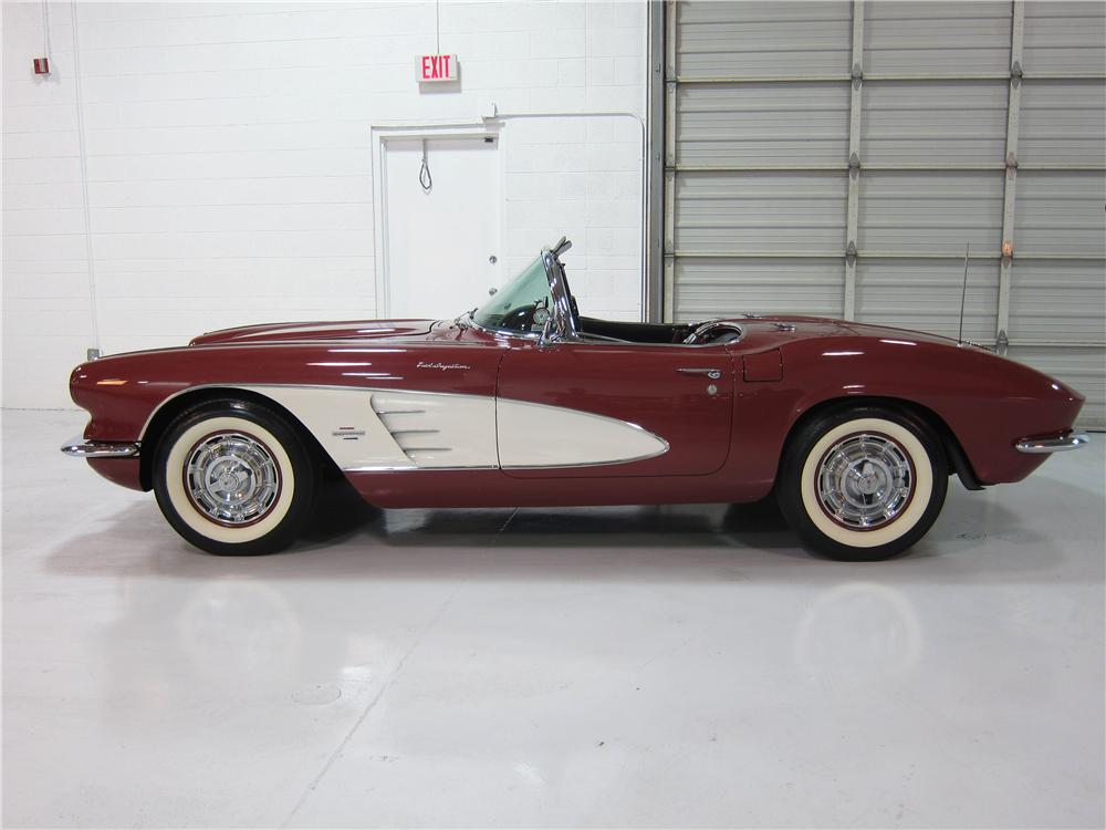 1961 CHEVROLET CORVETTE CONVERTIBLE - Side Profile - 161726
