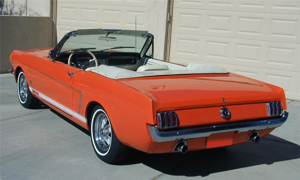 1965 FORD MUSTANG GT CONVERTIBLE - Rear 3/4 - 16173