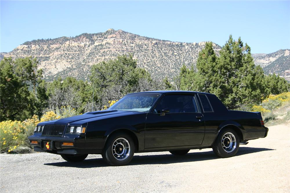 1987 BUICK GRAND NATIONAL 2 DOOR COUPE - Front 3/4 - 161732