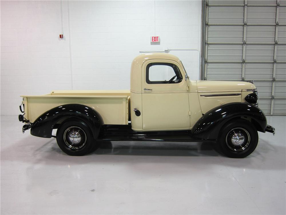 1939 CHEVROLET PICKUP - Side Profile - 161733
