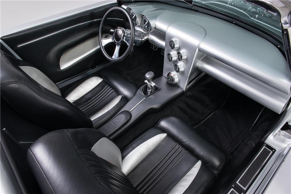1965 CHEVROLET CORVETTE CONVERTIBLE - Interior - 161753