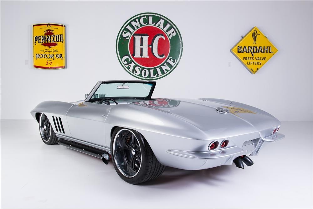 1965 CHEVROLET CORVETTE CONVERTIBLE - Rear 3/4 - 161753