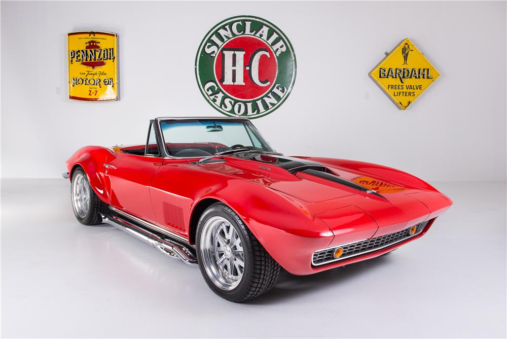 1967 CHEVROLET CORVETTE CUSTOM CONVERTIBLE - Front 3/4 - 161754