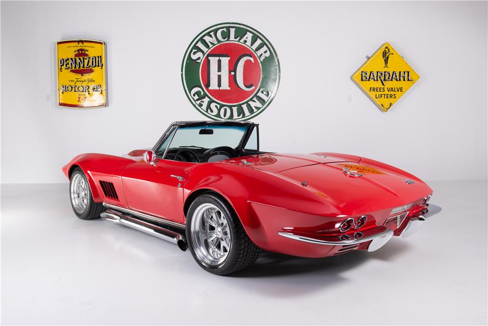 1967 CHEVROLET CORVETTE CUSTOM CONVERTIBLE - Rear 3/4 - 161754