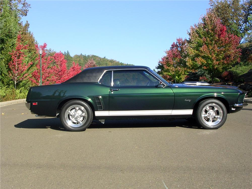 1969 FORD MUSTANG CUSTOM 2 DOOR COUPE - Side Profile - 161758