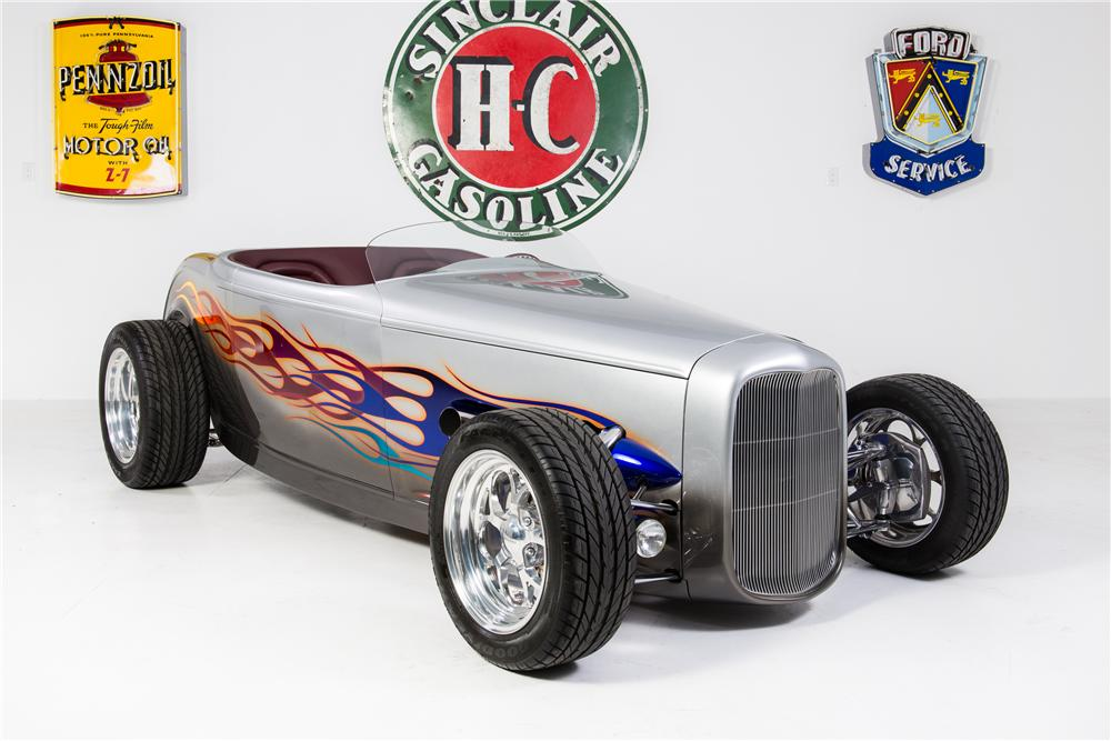 1932 FORD CUSTOM ROADSTER - Front 3/4 - 161783
