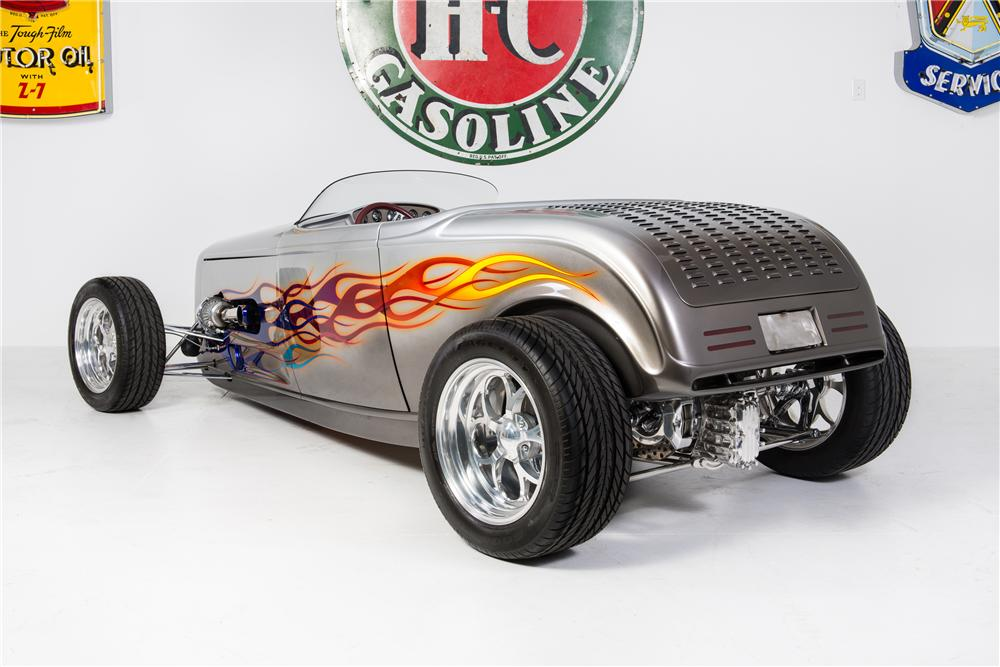 1932 FORD CUSTOM ROADSTER - Rear 3/4 - 161783