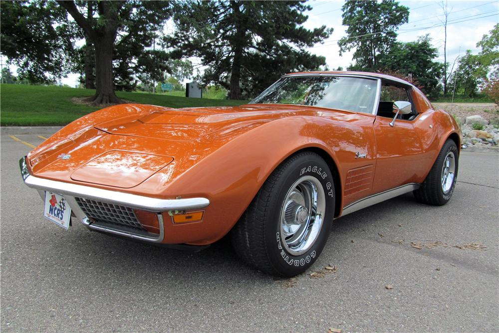 1972 CHEVROLET CORVETTE 2 DOOR COUPE - Front 3/4 - 161788