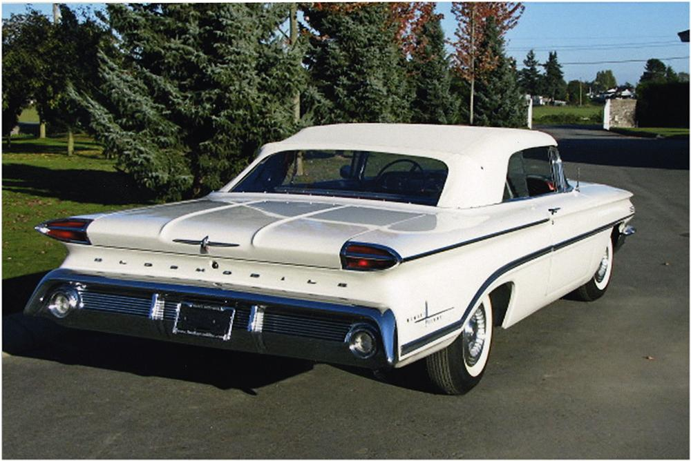 1960 OLDSMOBILE 98 CONVERTIBLE - Rear 3/4 - 161799