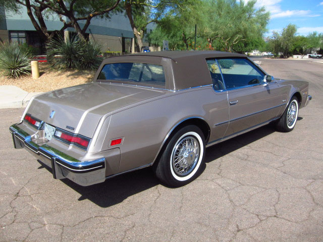 1984 oldsmobile toronado 2 door hardtop 161807. Black Bedroom Furniture Sets. Home Design Ideas