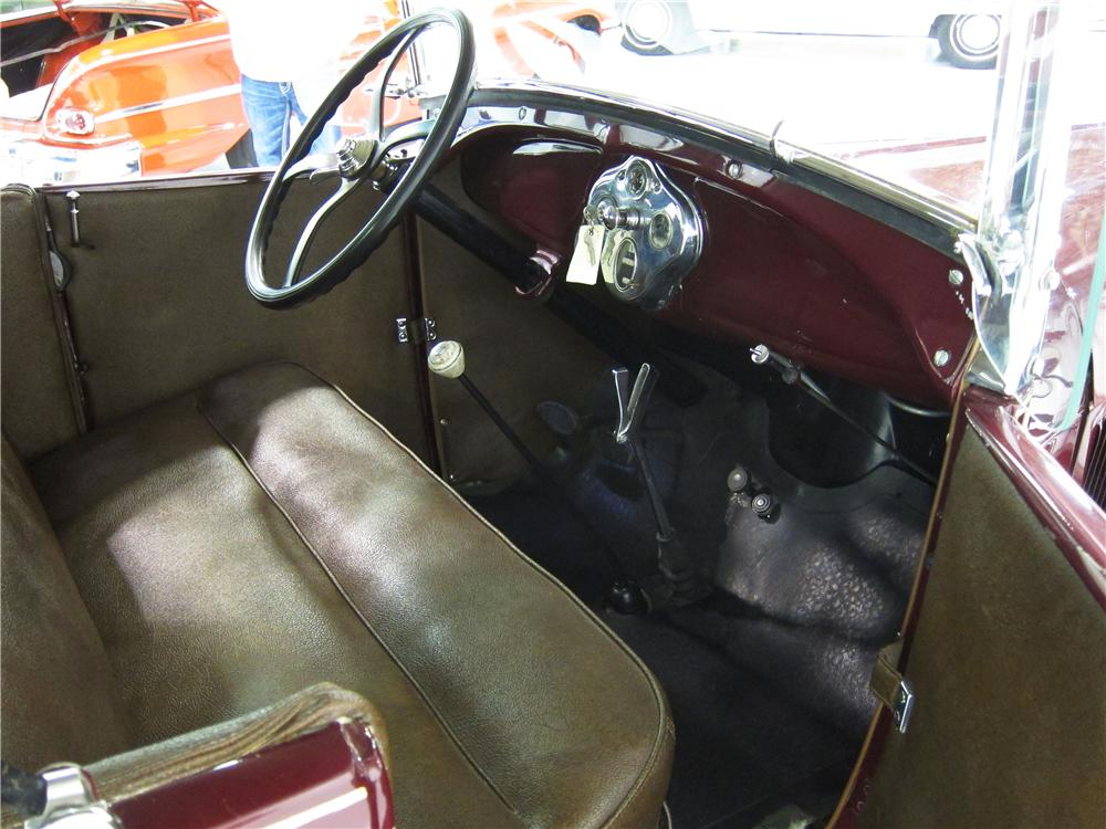 1928 FORD MODEL A ROADSTER - Interior - 161814