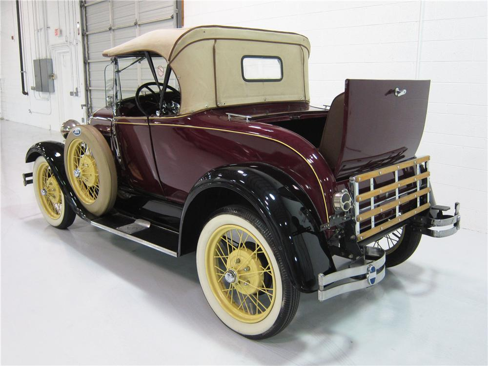 1928 FORD MODEL A ROADSTER - Rear 3/4 - 161814