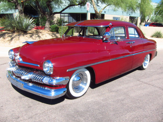 1951 MERCURY CUSTOM 4 DOOR SEDAN - Front 3/4 - 161815