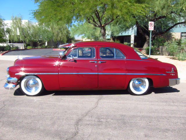 1951 MERCURY CUSTOM 4 DOOR SEDAN - Side Profile - 161815