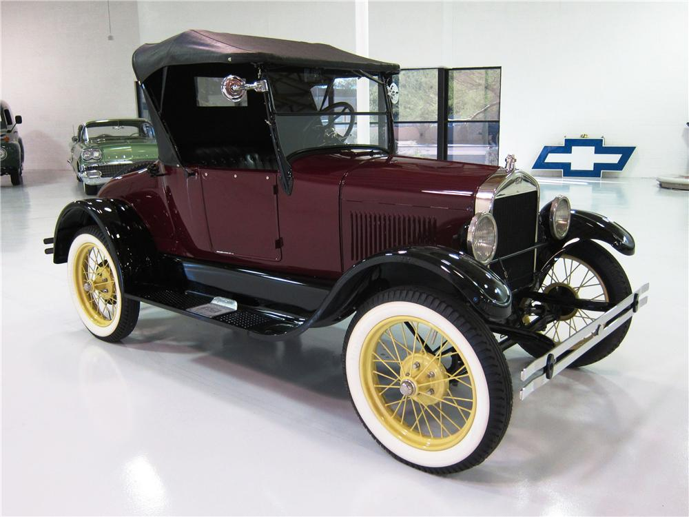1926 FORD MODEL T ROADSTER - Front 3/4 - 161817