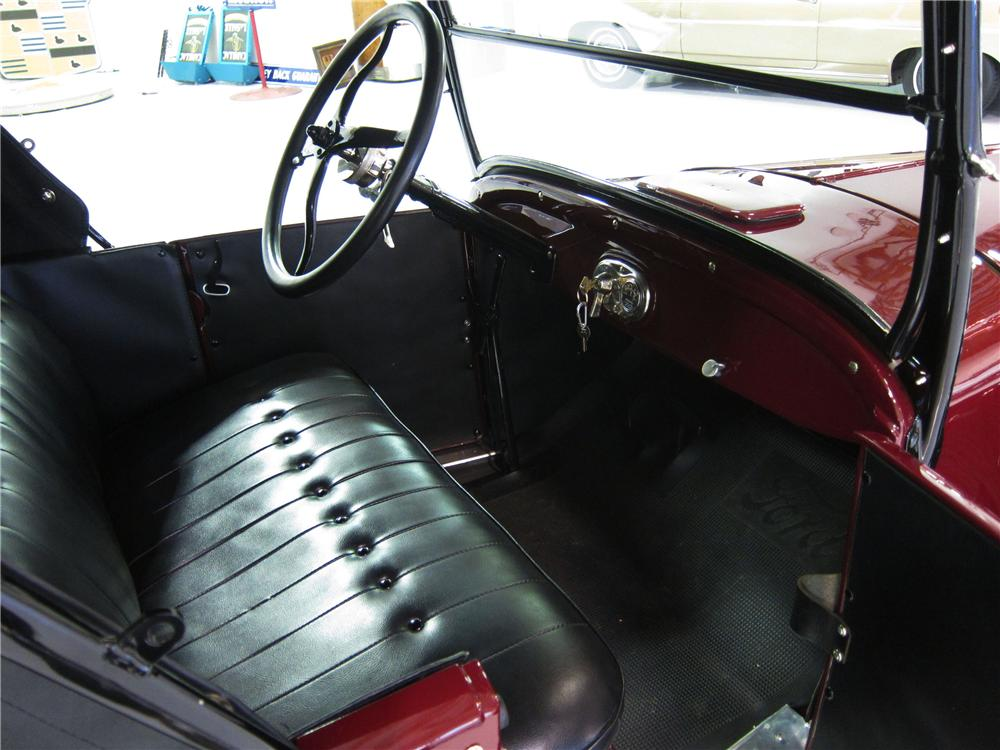 1926 FORD MODEL T ROADSTER - Interior - 161817