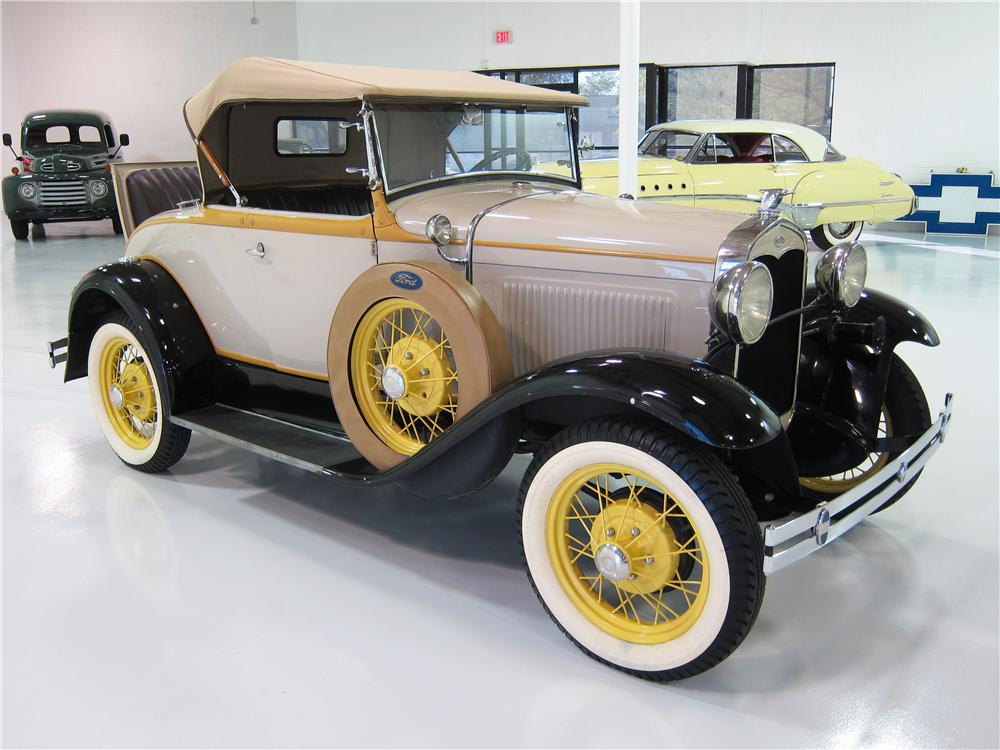 1931 FORD MODEL A ROADSTER - Front 3/4 - 161818