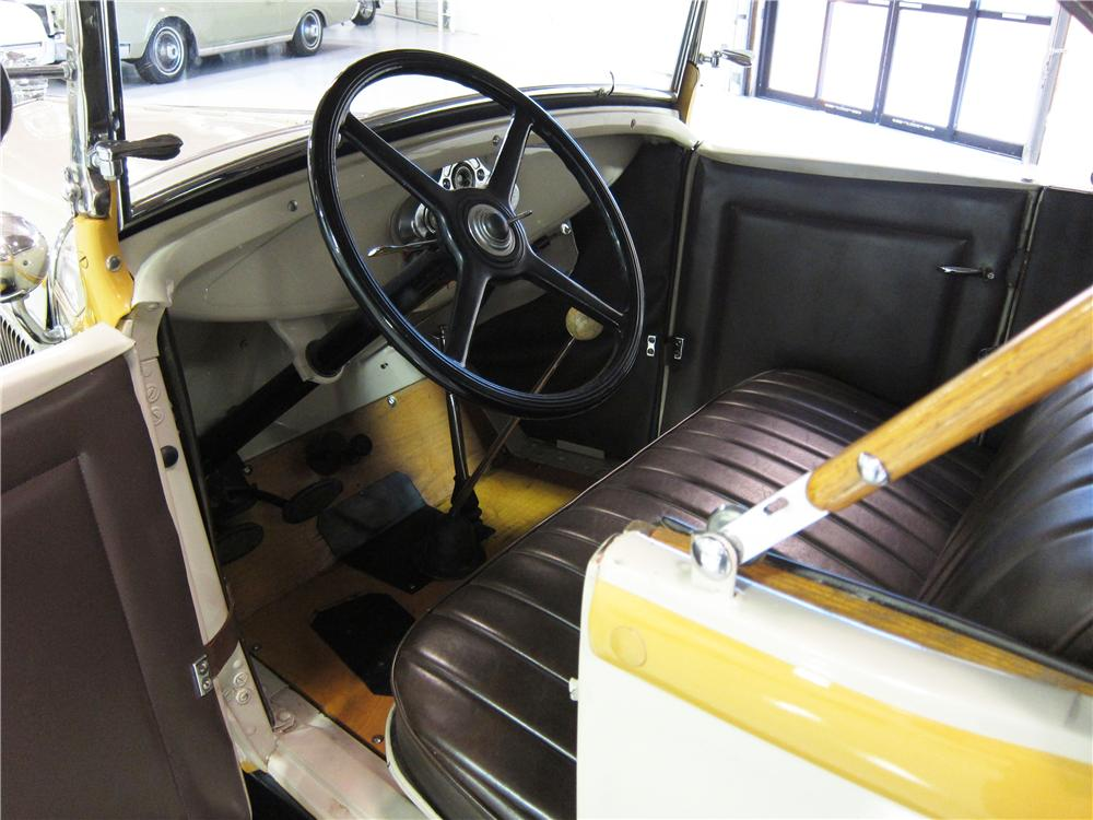 1931 FORD MODEL A ROADSTER - Interior - 161818