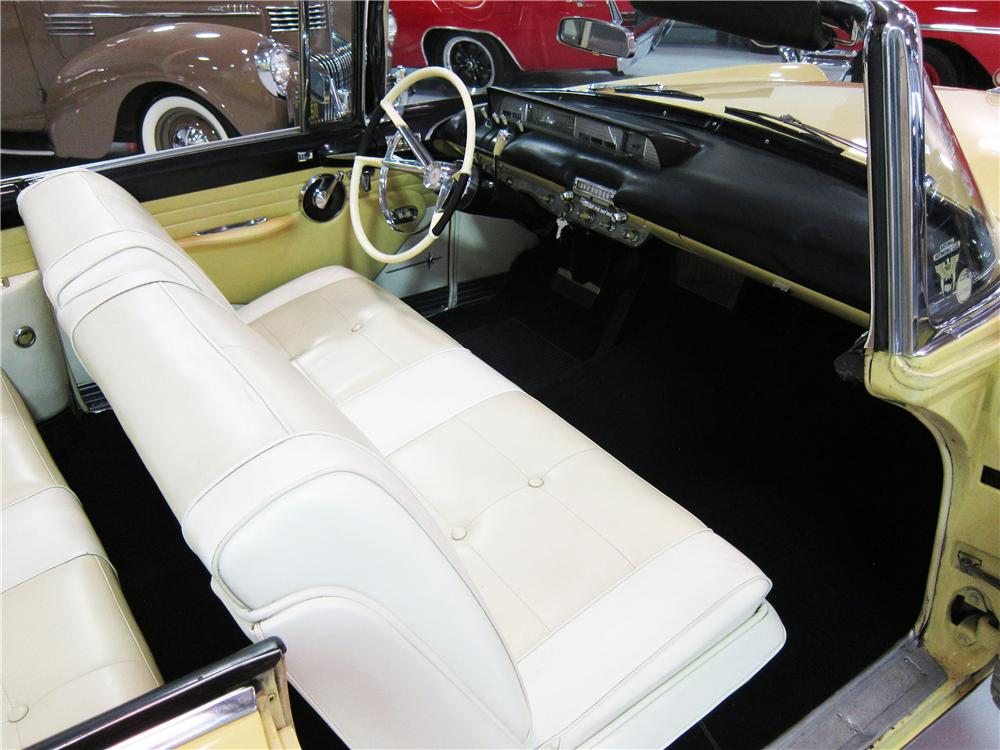 1957 LINCOLN PREMIERE CONVERTIBLE - Interior - 161819