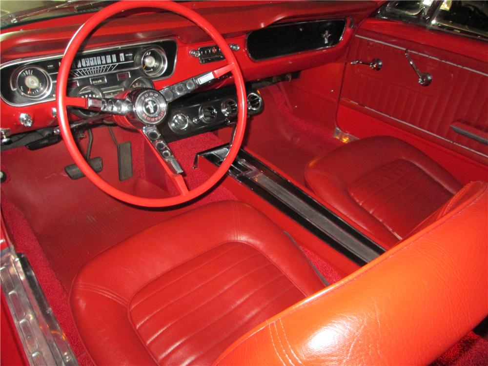 1965 FORD MUSTANG CONVERTIBLE - Interior - 161835