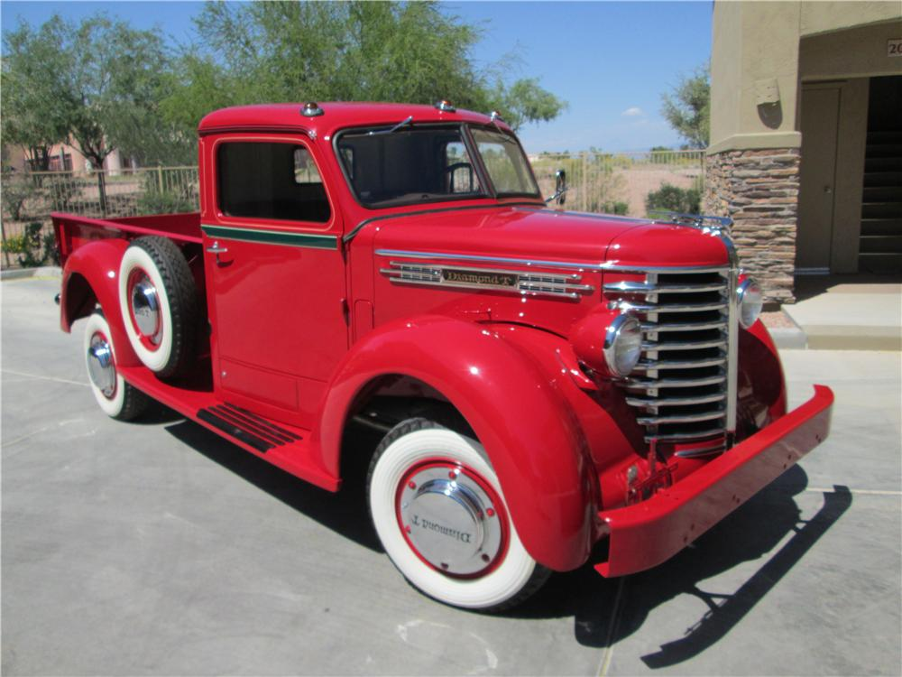 1948 DIAMOND T 201 PICKUP - Front 3/4 - 161839