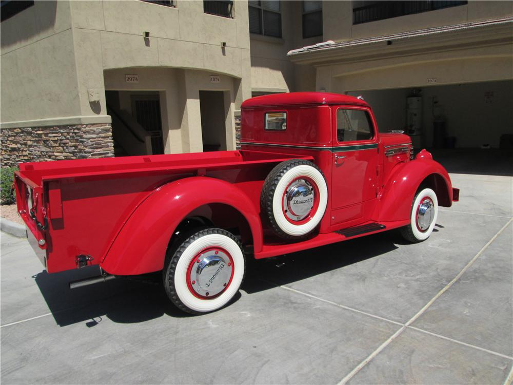 1948 DIAMOND T 201 PICKUP - Rear 3/4 - 161839