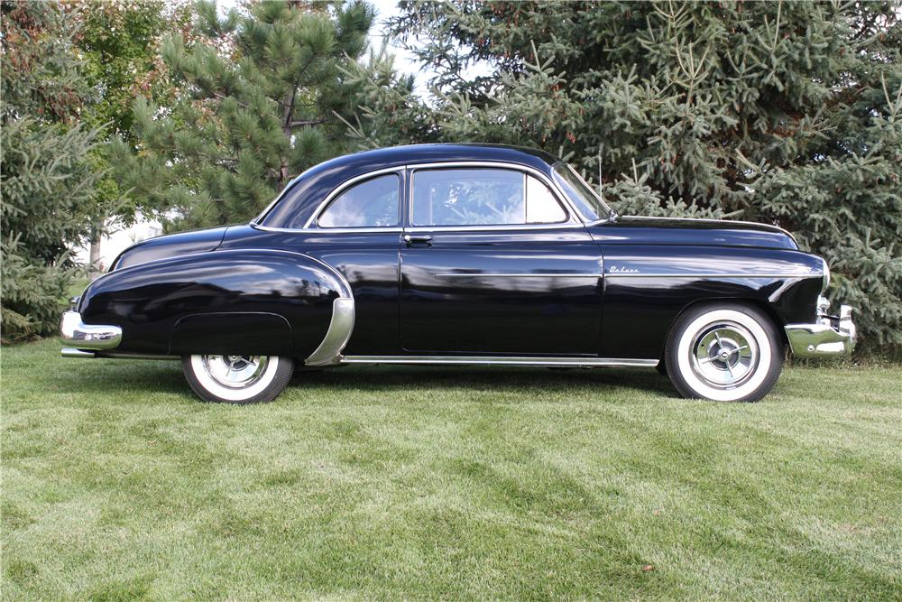 1949 CHEVROLET DELUXE CUSTOM 2 DOOR COUPE - Side Profile - 161847