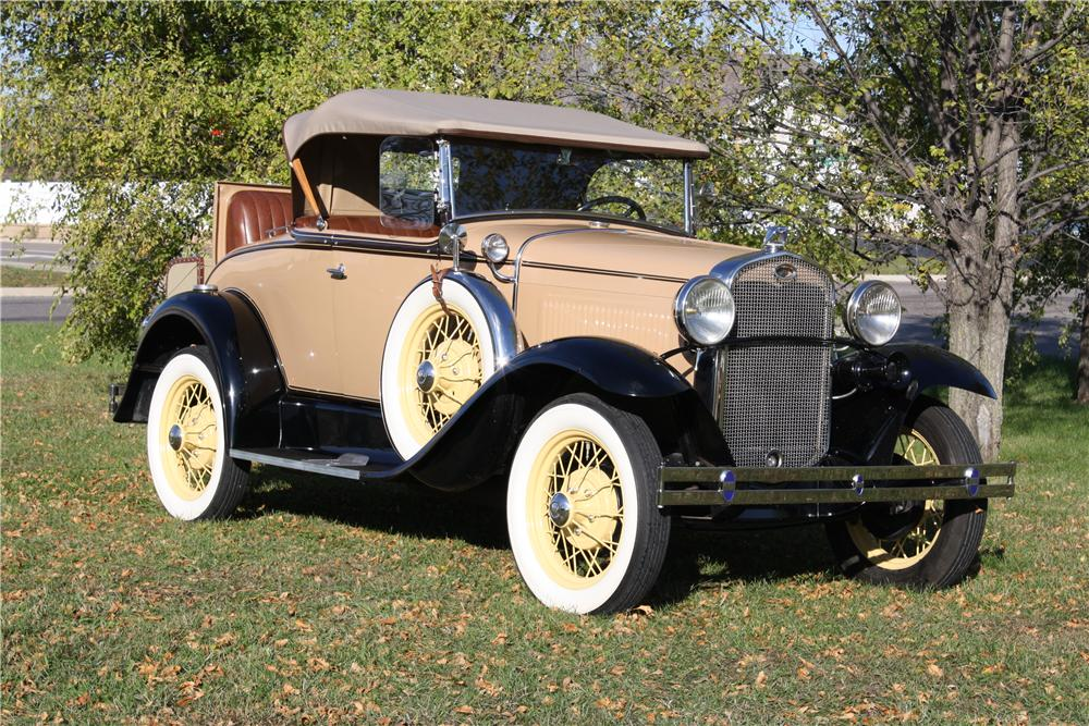 1931 FORD MODEL A ROADSTER - Front 3/4 - 161855