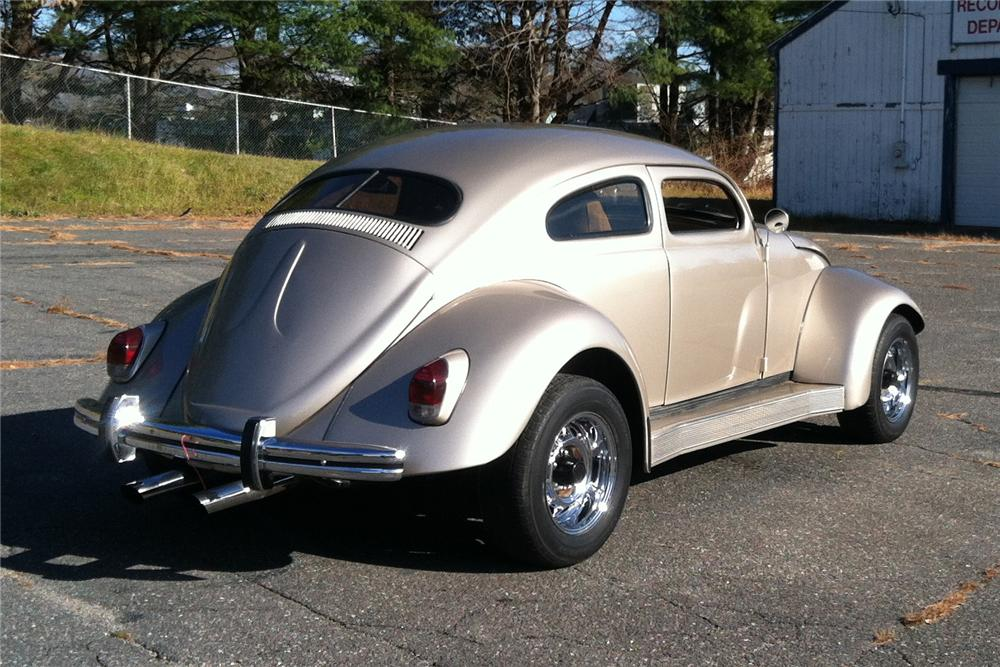 1962 VOLKSWAGEN BEETLE CUSTOM 2 DOOR SEDAN - Front 3/4 - 161874