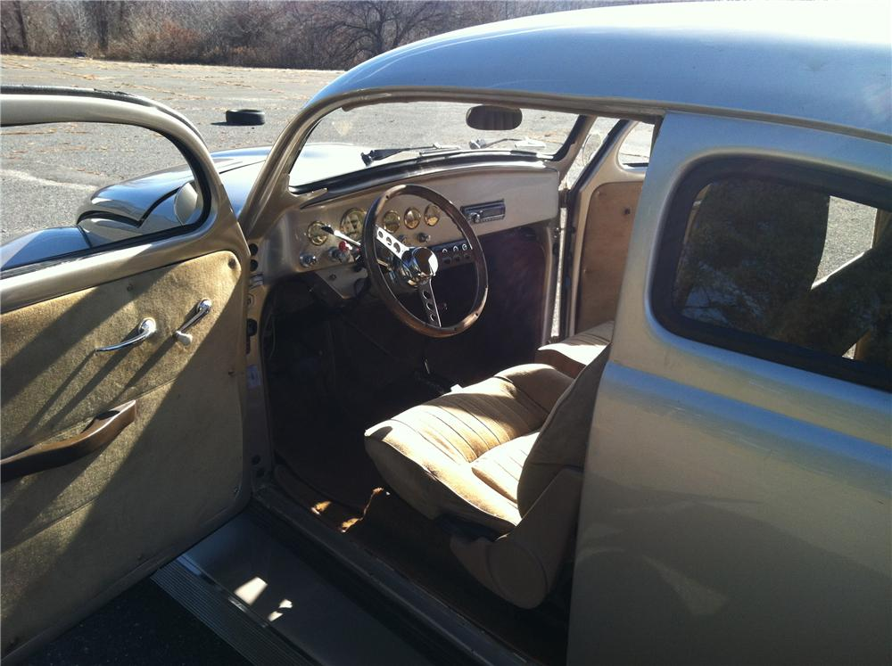 1962 VOLKSWAGEN BEETLE CUSTOM 2 DOOR SEDAN - Interior - 161874