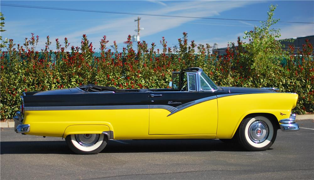 1956 FORD SUNLINER CONVERTIBLE - Side Profile - 161882
