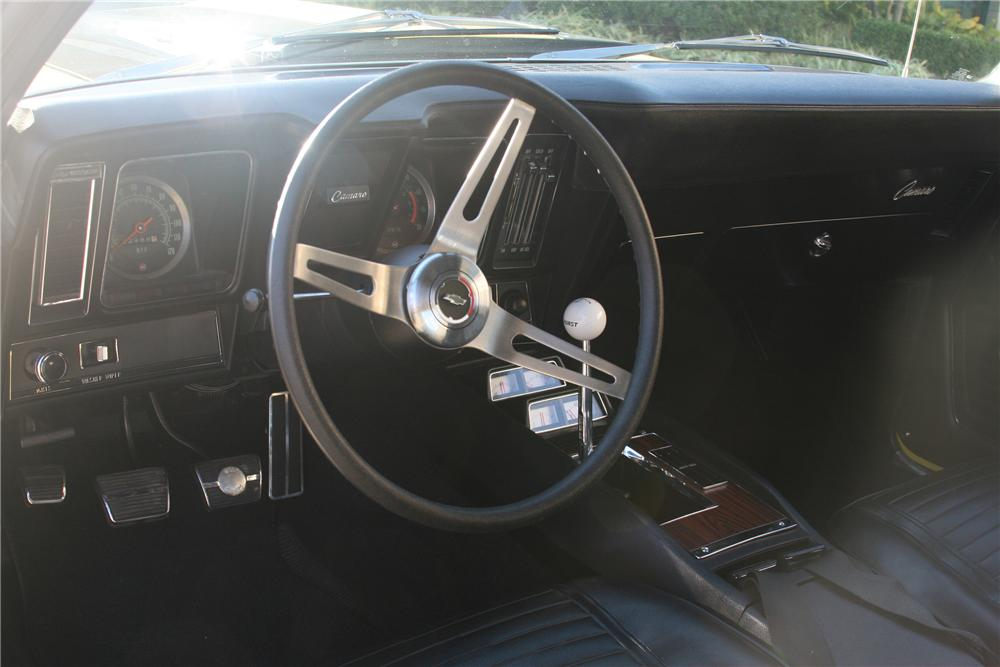 1969 CHEVROLET CAMARO Z/28 COUPE - Interior - 161899