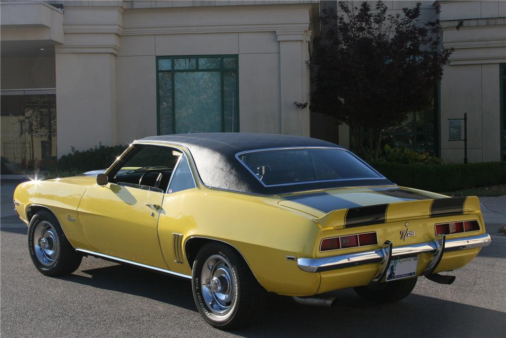 1969 CHEVROLET CAMARO Z/28 COUPE - Rear 3/4 - 161899