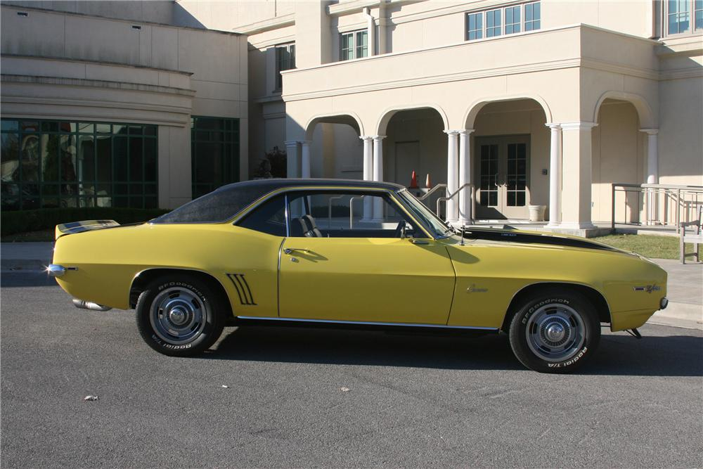 1969 CHEVROLET CAMARO Z/28 COUPE - Side Profile - 161899