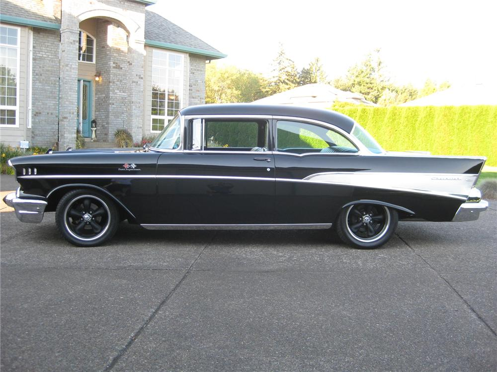 1957 CHEVROLET 210 CUSTOM 2 DOOR HARDTOP - Side Profile - 161908