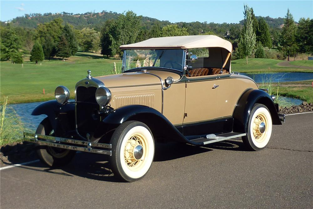 1930 FORD MODEL A ROADSTER - Front 3/4 - 161916