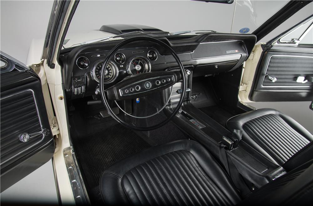 1968 FORD MUSTANG GT 428 CJ FASTBACK - Interior - 161924