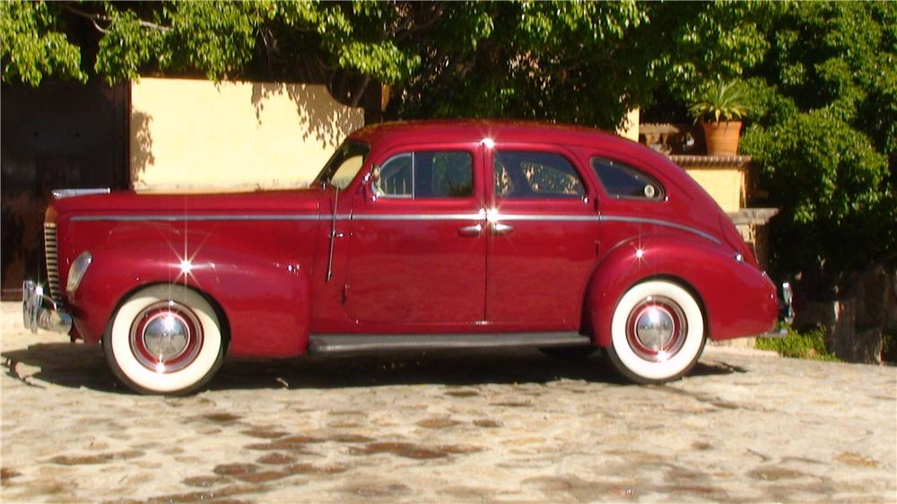 1939 NASH AMBASSADOR 8 4 DOOR SEDAN - Side Profile - 161953